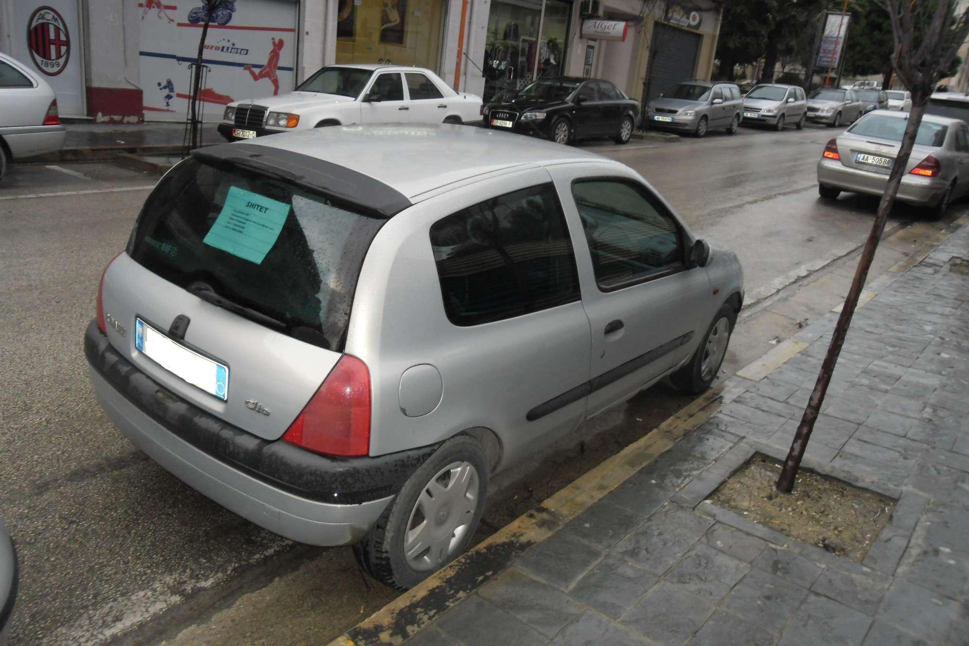 """Oferte """"Reno Clio"""" (Plazhi hekurudha) (ka foto) - Makina e Motorra ..."""